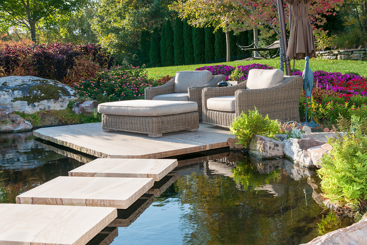 Floating patio by Bauer Falls